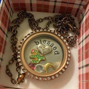 Jewelry - Oragami owl locket with chain.